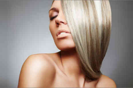 G Hair Artist - £25 for a wash, cut and blow dry with a half head of highlights worth £104 - Save 76%