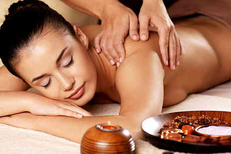 Forever Young - 40 Minute full body aromatherapy massage with a glass of Bucks Fizz - Save 68%