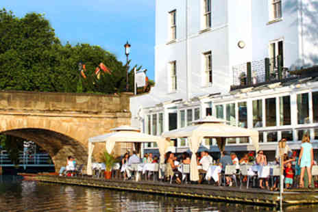 No1 Folly Bridge - 'Waterside Delight': Dinner & Bubbly for 2 - Save 51%