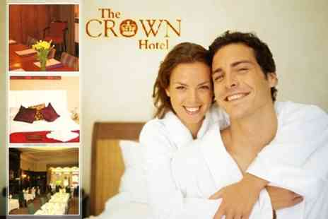 The Crown Hotel - In Stone One Night Family Stay With Monkey Forest Entryl - Save 34%