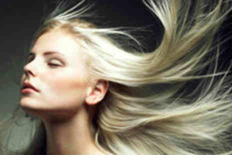 B In The City Hair & Beauty - £17.70 for a Wash, Cut and Blowdry with a L'Oreal Deep Conditioning Treatment - Save 70%