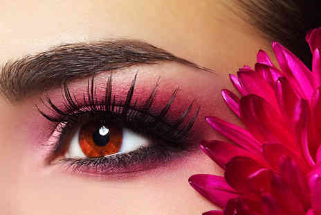 The Beauty Clinic - Semi permanent eyebrow makeup - Save 72%