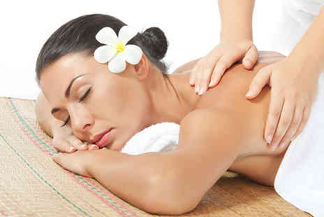 Extreme Relaxation - Choice of 30 minute Indian head or back, neck & shoulder massage - Save 60%