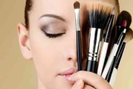 Diva Beauty Academy - Glitz and Glam Make Up Course - Save 56%