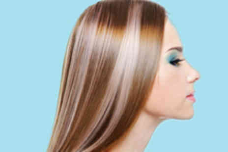 Designers Hair and Beauty - Full head of highlights, with a choice of three colours - Save 70%