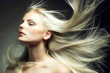 Hair by Thomas Kelly - 12 Week Brazilian Blowdry - Save 63%