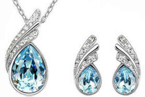 DK88 Shop - Earring and Pendant Jewellery Set - Save 69%