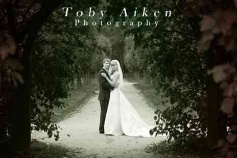 Toby Aiken Photography - Four Hours Wedding Photography of Coverage With Prints and CD Images - Save 40%