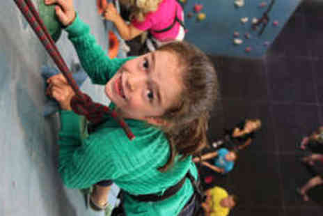 Boulders - 1� Hour Indoor Climbing Session - Save 58%