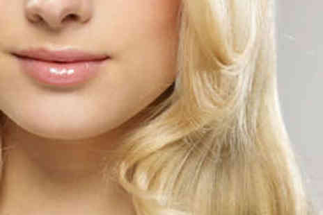 Simon Constantinou World Champion Hairdressing - Haircut, Blow Dry, and Half Head Highlights - Save 56%