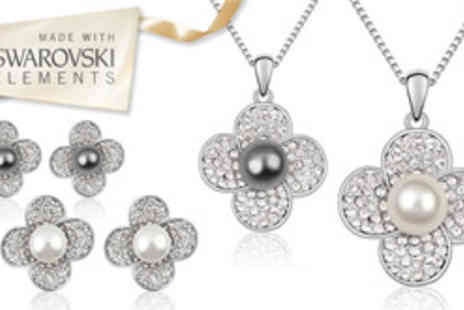 Cian Jewels - Pearl flower jewellery set made - Save 79%