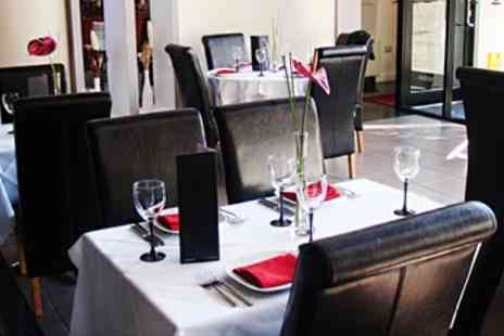 Rilys Indian Restaurant - 'Best Midlands Curry' Dinner for 2 & Bubbly - Save 53%