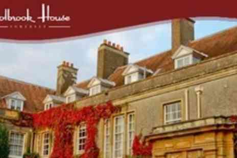 Holbrook House - Overnight Stay with Breakfast For Two On Friday Or Sunday - Save 61%