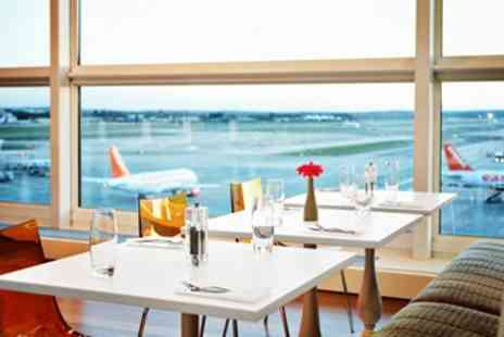 No.1 Traveller - Airport Lounge Access including Buffet & Champagne - Save 44%