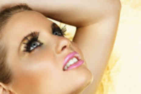 Pure Beauty - Nouveau eyelash extensions - Save 73%