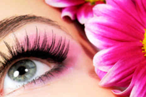 Beauty Cabinet - Luscious Lashes 10 Sets of False Eyelashes - Save 59%
