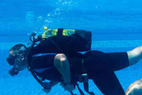 Sunderland Scuba Centre - Three and half Hour Scuba Diving Lesson - Save 80%