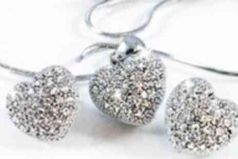 Oodlebee - £14.99 for a heart shaped pendant & earrings set made with Swarovski Elements (value £89.99) - Save 83%