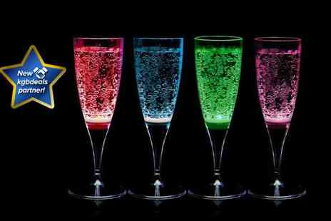 Widget Love - Pair of LED champagne flutes in red, blue, pink and green from the trend setters - Save 50%