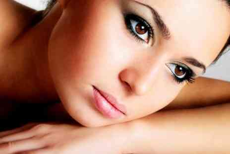The Beauty Brow Bar - Lash Extensions With Brow Shape and Tint  - Save 58%