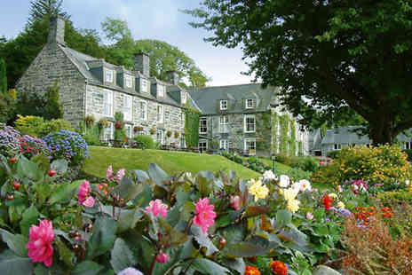 Hotel Maes y Neuadd - One nt Snowdonia break for 2 inc 3 course dinner, breakfast & chocolates - Save 42%