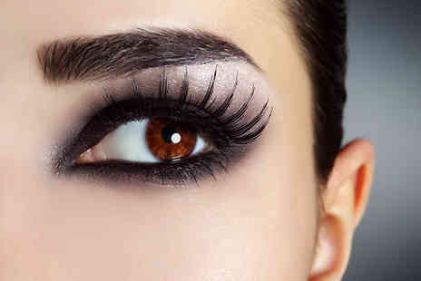 Wollaton Beauty Lounge - One hour eyebrow wax, eyebrow tint, eyelash tint & party lashes - Save 32%