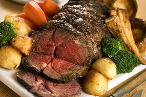 The Crown - Sunday Roast With Wine For Two - Save 48%