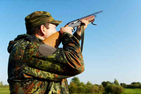 Manchester Clay Shooting Club - Clay pigeon shooting with 25 shots & a years membership - Save 69%