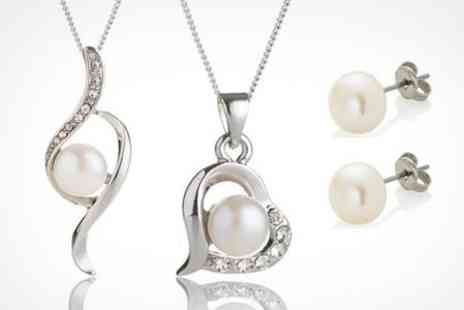 Pearl World - Jewellery Sets With Swarovski Element and Pearls - Save 78%