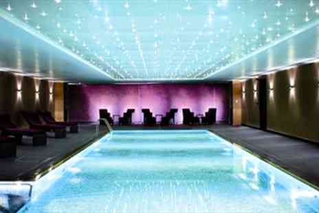 The Hilton Hyde Park -  Luxury 5 Star Spa Day Treatment & Bubbly  - Save 47%