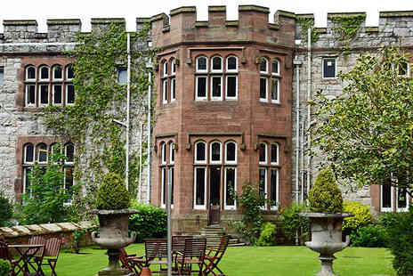 Ruthin Castle Hotel - One nt break for 2 inc 3 course dinner - Save 52%