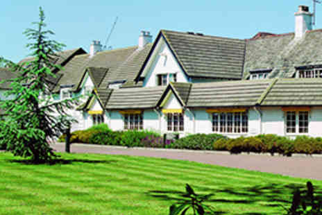 Puma Basingstoke Country Hotel - One Night Basingstoke Stay for Two People with Breakfast and a Three-Course Dinner with Wine - Save 48%