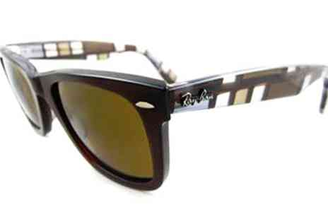 Discounted Sunglasses - Pair of Wayfarer Ray Ban sunglasses - Save 35%