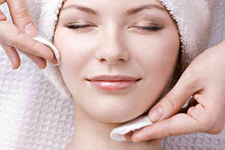 Twinkle Toes Foot Spa - Luxury Facial - Save 50%