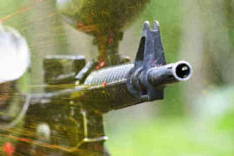 Strines Paintball - Paintball Day with 100 Paintballs - Save 40%