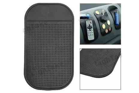 Essential Silver - 4 Anti Slip Car Mats - Save 50%