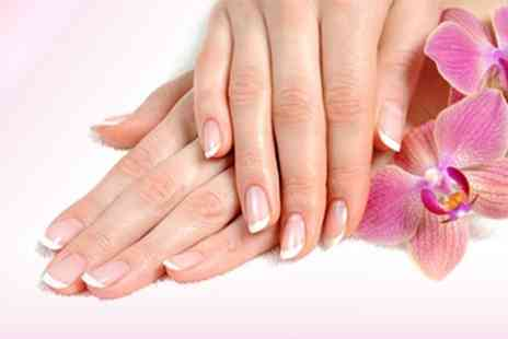 Wags 2 Riches - Gel Manicure - Save 50%