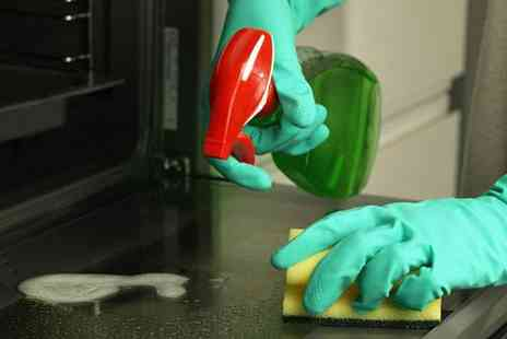 Dial a Cleaner - A single oven and hob clean - Save 64%