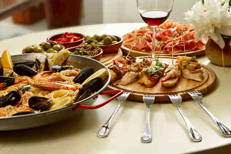 The Cuban Bar - Four tapas and 2 main dishes - Save 55%