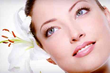 Ugly Duckling Beauty - One Hour Deep Cleansing Facial - Save 51%