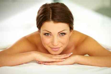 Quality Life Medical Centre - Ozone Therapy Sauna Session With Body Exfoliation - Save 68%