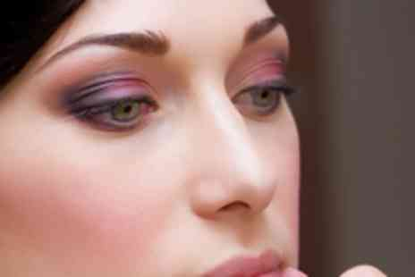 Make Up Store - 3 hour make up lesson - Save 60%