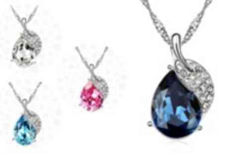 AMA Gifts - Clear necklace made with Swarovski Elements in a choice of four colours - Save 85%