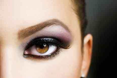 Beauty LA - Definition brow treatment - Save 70%