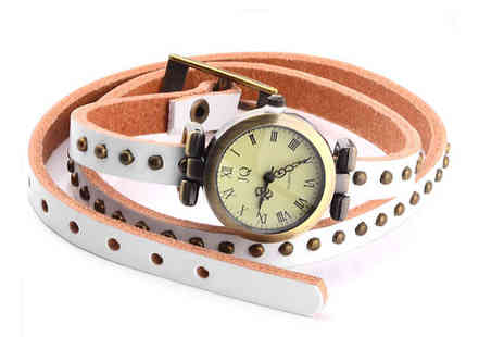 Betafresh BV - Be fashionable and edgy with this antique studded leather watch - Save 44%