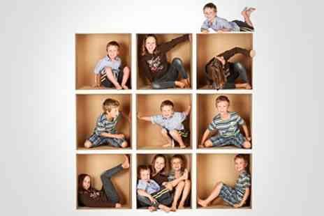 Photo Nottingham - Family Photoshoot With Framed Print - Save 89%