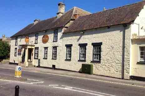The White Hart Inn - In Wiltshire One Night Stay For Two With Breakfast - Save 39%