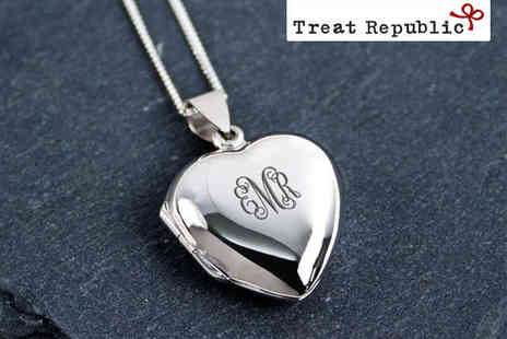 Treat Republic - Personalised Monogram Heart Locket - Save 52%