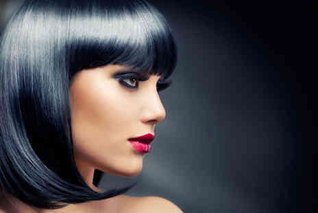 Stephen Thomas Hair - Cut conditioning treatment blow dry and GHD styling - Save 53%