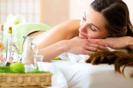 Krem Beauty Clinic - Choice of Beauty Treatment Such as Back Massage or Waxing - Save 56%